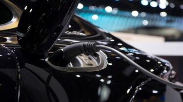 cost-revving-up-grid-electric-vehicles-rectangle-tcm9-236318.jpg