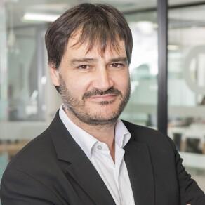 Renault's Billion-Euro Digital Transformation: An Interview with CIO Frédéric Vincent