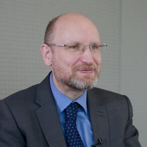 Coping with IT Complexity: An Interview with David Knott, Chief Architect for HSBC